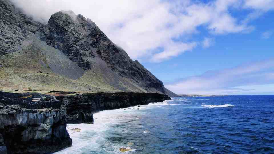 The Glorious Coast of El Golfo
