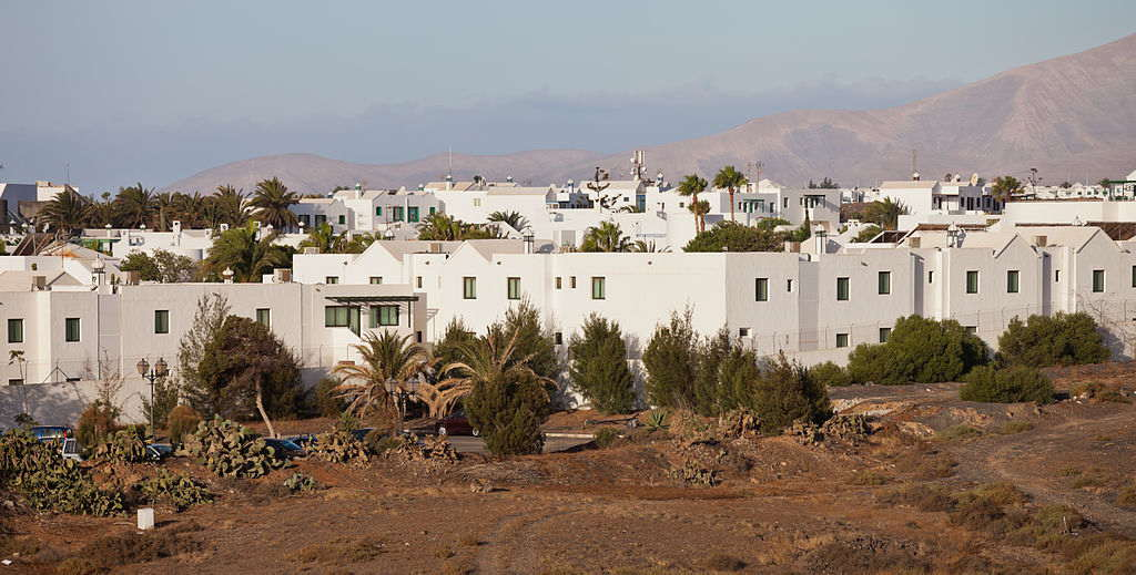 A Town of Tranquility and Whitewashed Houses