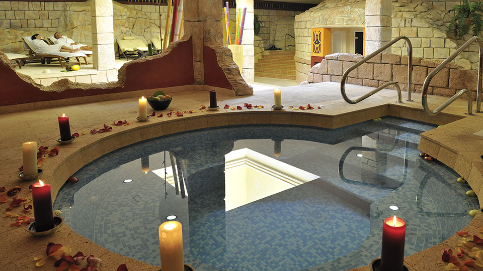 Spa with jacuzzi